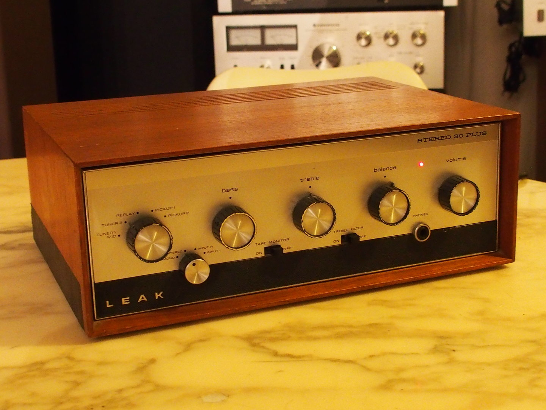 leak stereo 30 plus dating